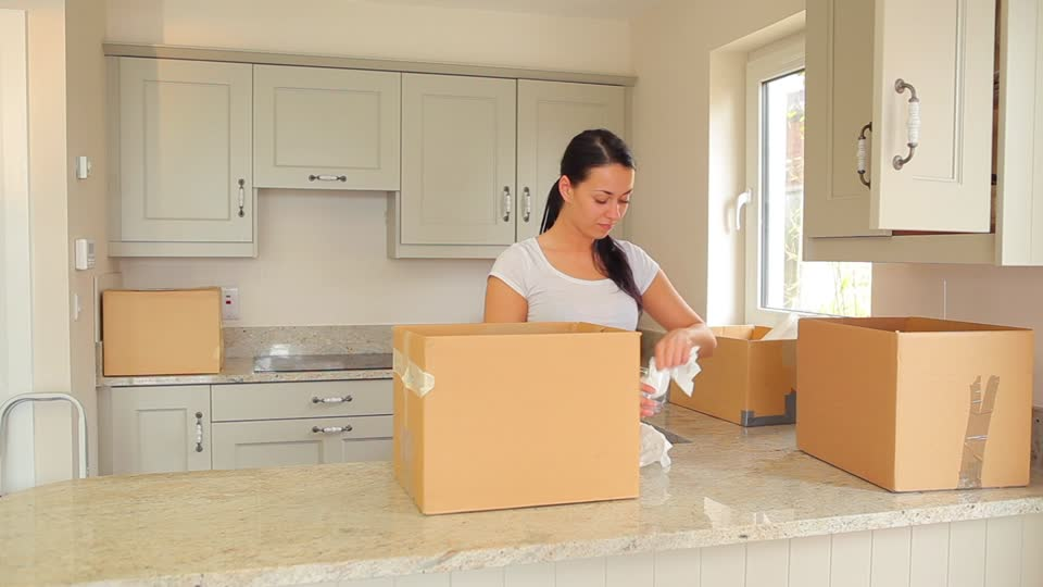 Pack your kitchen for long distance removals